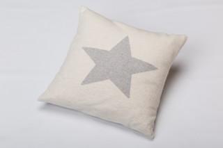 Fussenegger Kissenhülle in beige mit hellgrauem Stern